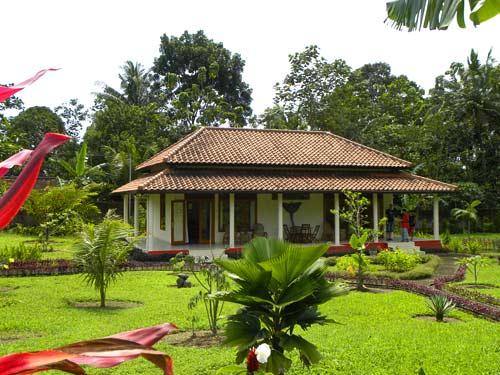 Hotelgarten in Kalibaru.